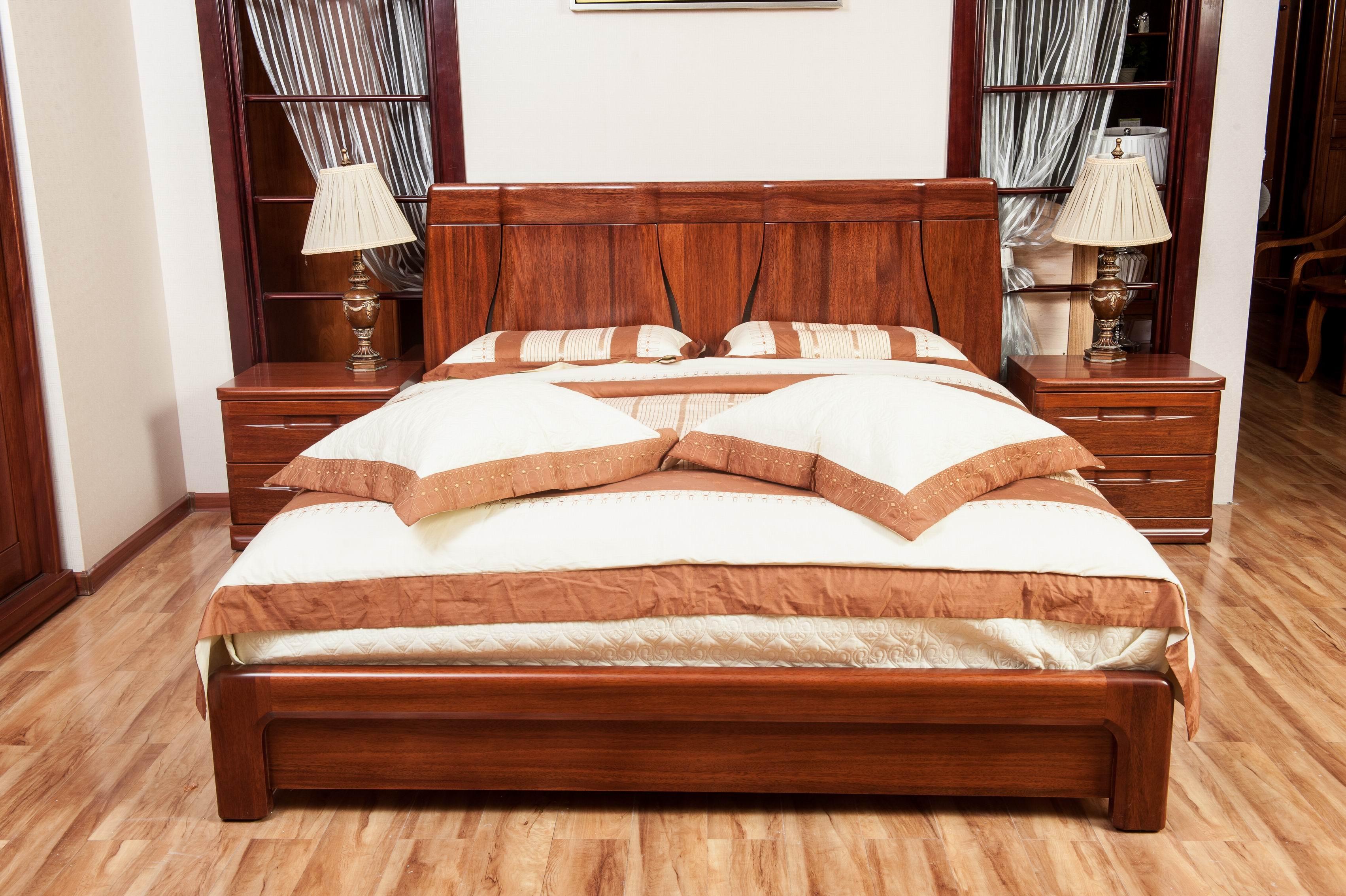 实木家具 黄金胡桃木纯实木1.9米大床